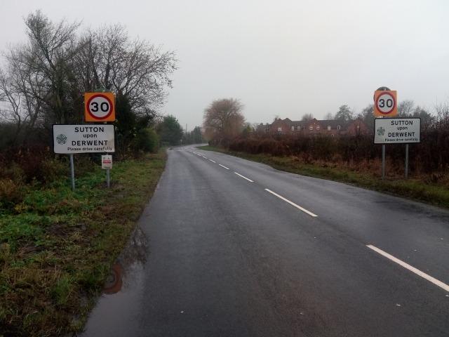 sutton-upon-derwent-signage